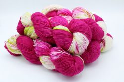 Baah Yarn La Jolla Queen of roses Dipped and dappled